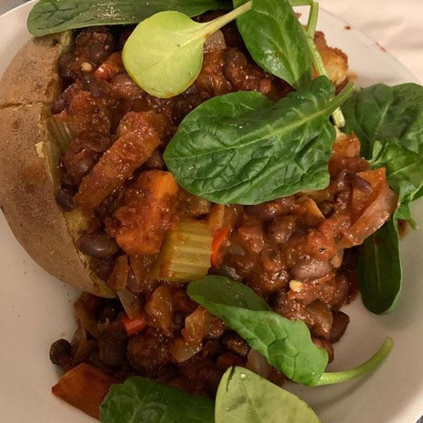 Chilli baked potato - snoopie_sw - Slimming World Blog