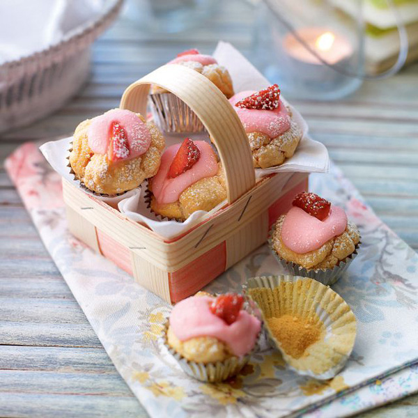 strawberry-cupcakes-keeping-busy-at-home-slimming-world-blog