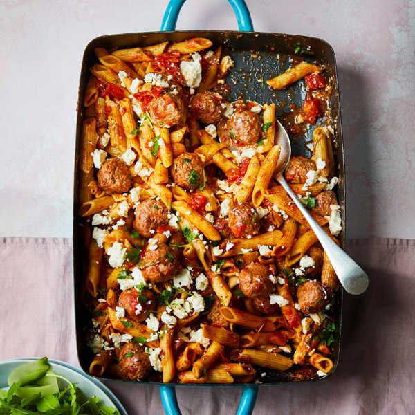 Beef and meatball bake - Passion for pasta and noodles - Slimming World Blog