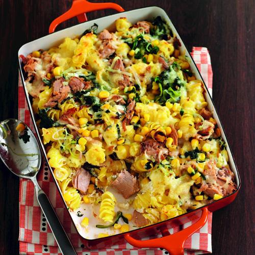 tuna pasta bake in baking tray-student recipes-slimming world blog