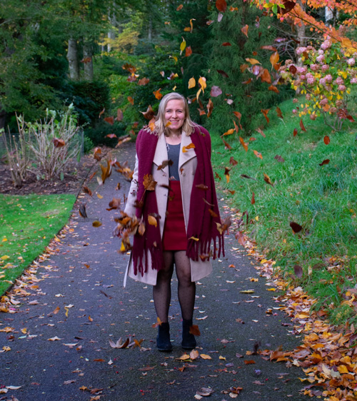 Lauren walking in autumn leaves-stress-busting activity-slimming world blog