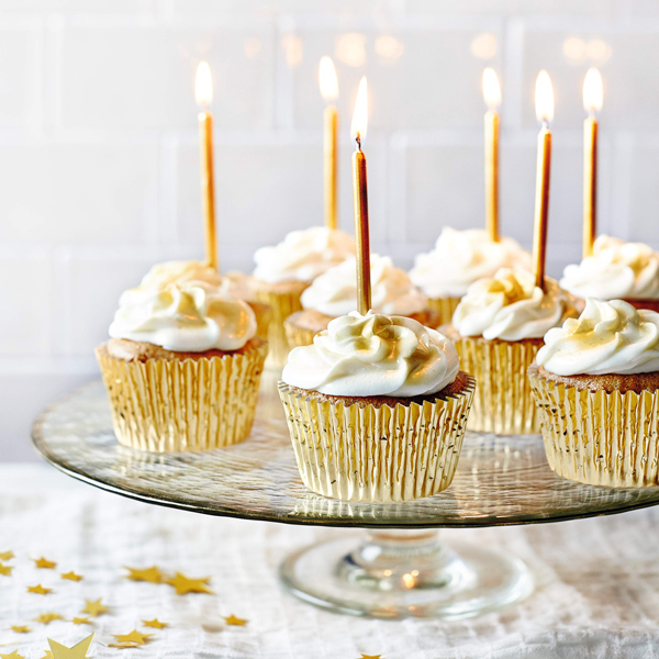 vanilla lemon curd cupcakes-happy birthday blog-slimming world blog