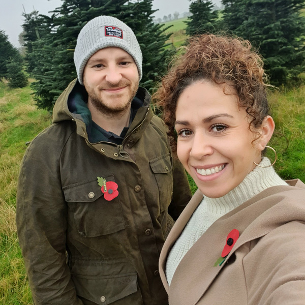Zoe and Clinton Navarro-Believe in Body Magic this Christmas-slimming world blog