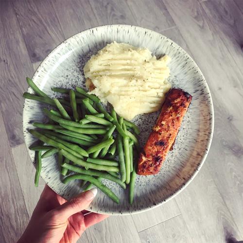 Salmon with herby mash-7-day menu-slimming world blog