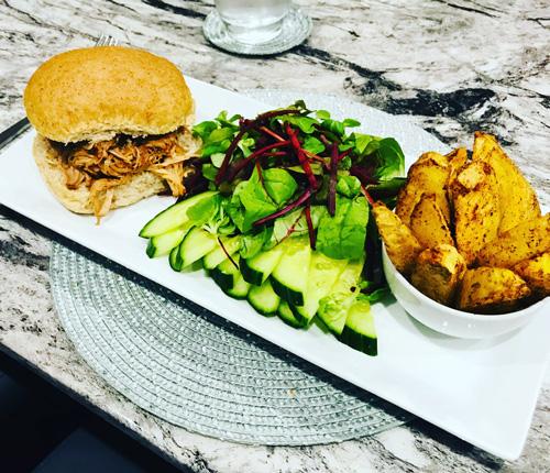 BBQ pulled pork in bun-7-day menu-slimming world blog