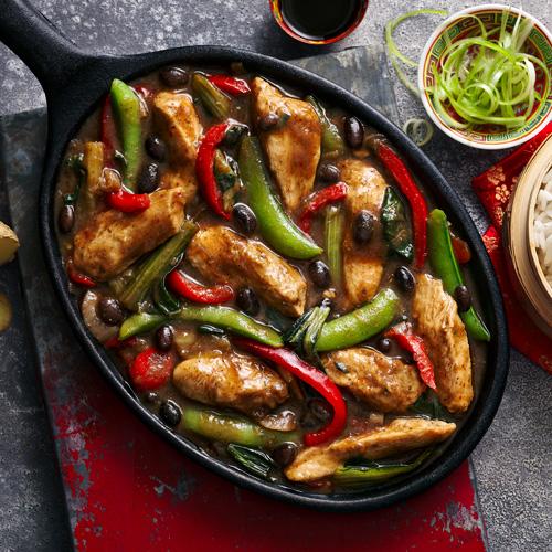 Chicken in black bean sauce in bowl-Slimming World Chinese-Slimming World blog