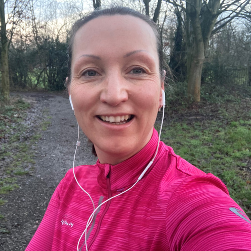 Kate jogging in woods-fit tips: running-slimming world blog