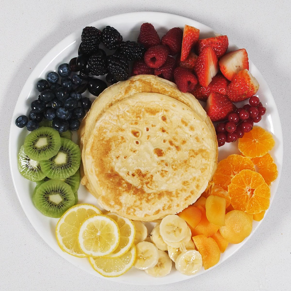 Slimming World pancakes with fruit-perfect pancakes-slimming world blog