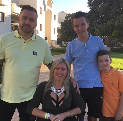 Natasha Bunby with family-Natasha Bunby success-slimming world blog