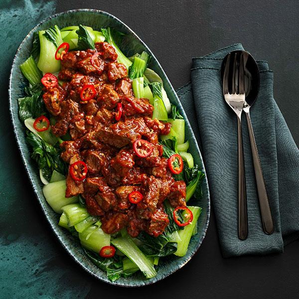 Chow kow steak with pak choi on grey plate-slimming world recipe books-slimming world blog