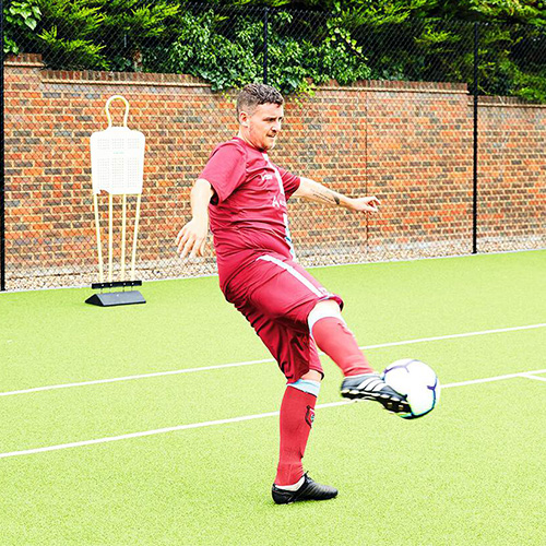 Aaron Snares volleying football-16st weight loss-slimming world blog