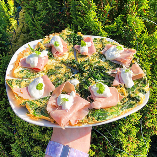 Ham and spinach frittata on plate-picnic food ideas-slimming world blog