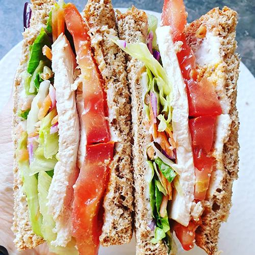 Chicken, tomato, lettuce sandwich-picnic food ideas-slimming world blog