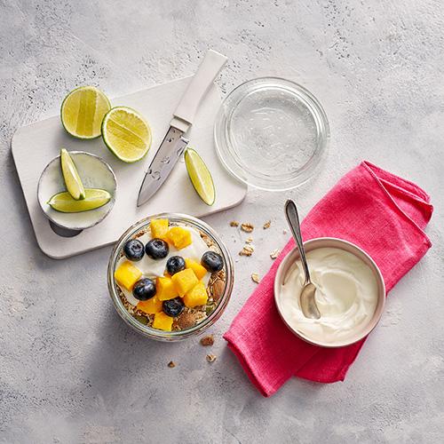 Slimming World mango and blueberry bowl