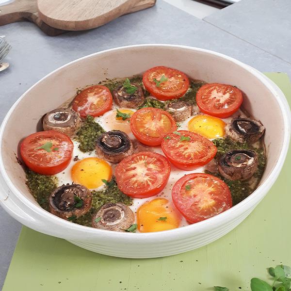 Slimming World pesto eggs with tomato and mushroom