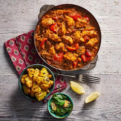 Chicken tikka rogan josh with potatoes and spinach - Slimming World food range