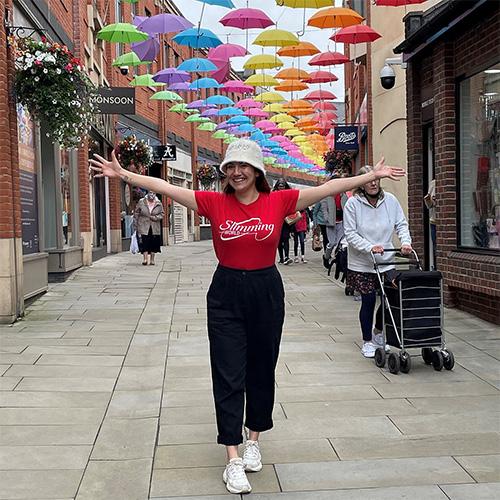 Slimming World Consultant Samantha wearing a Slimming World t-shirt